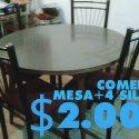 Se vende mesa redonda + 4 sillas ( con detalles)
